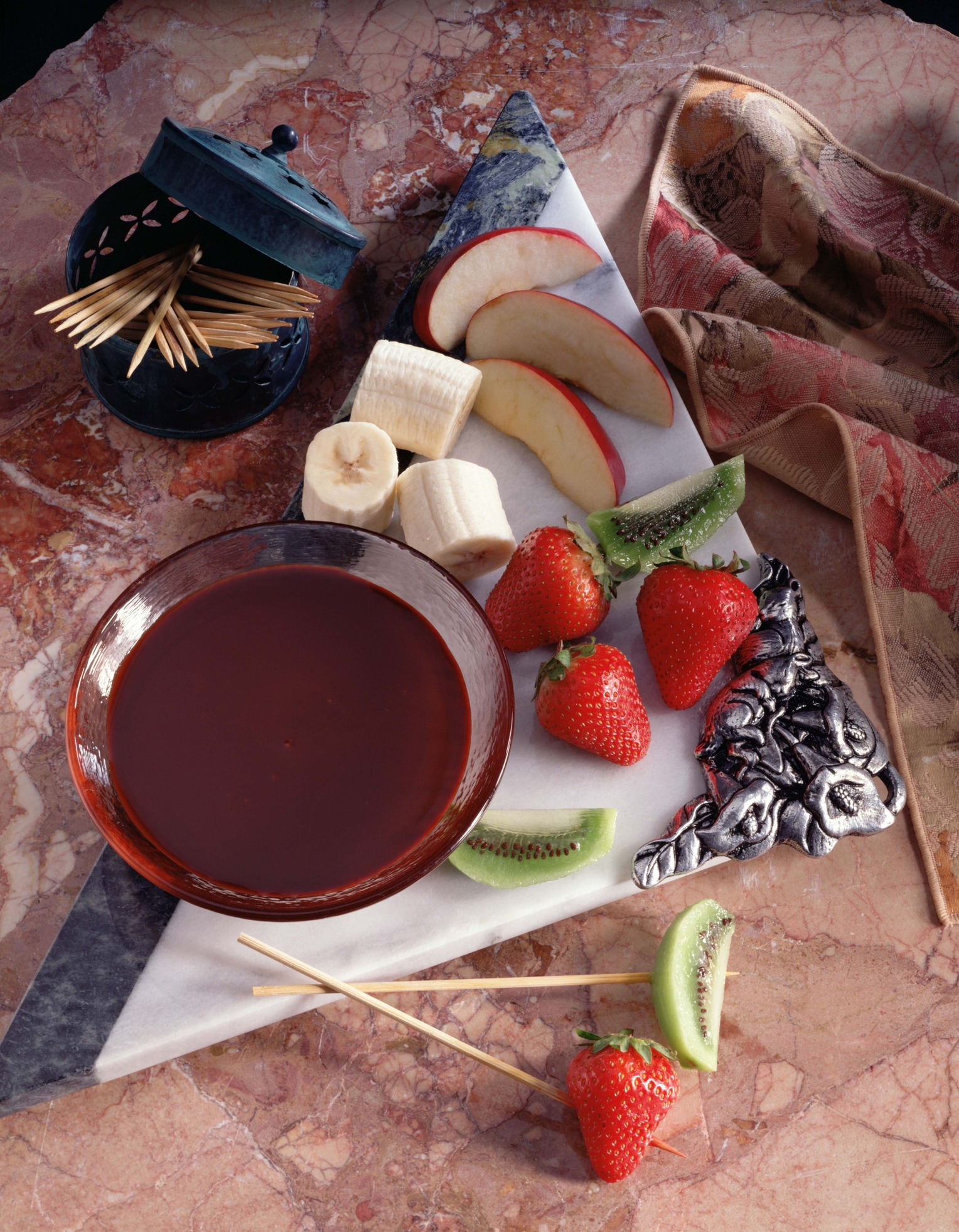 Fruit with chocolate fondue